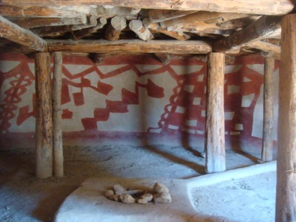 Decoración mural de una vivienda calcolítica. Poblado arqueológico experimental de Lemba-Kissonerga, cerca de Pafos, Chipre. Photo by el rano verde, freeware.