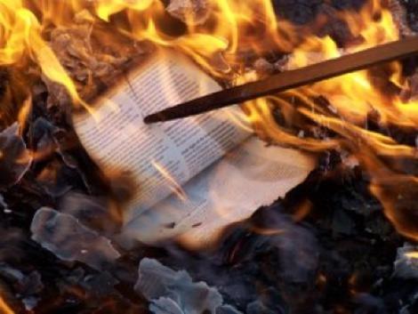quema_libro