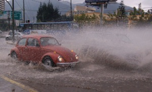 Una lluvia torrencial no provoca una subida tranquila de las aguas