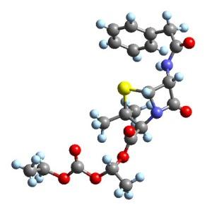Penicilina, un antibiótico producido por hongos del género Penicillium y algunos Aspergillus