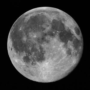 Los científicos intransigentes y ateos no quieren aceptar que la Luna es de queso