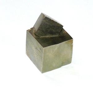 Cristales de pirita: clara prueba de un diseñador dotado de cincel y martillo
