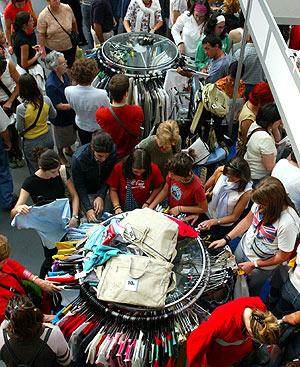 Nuestra capacidad selectiva hace que no salgamos de unas rebajas con una colección de prendas al azar.