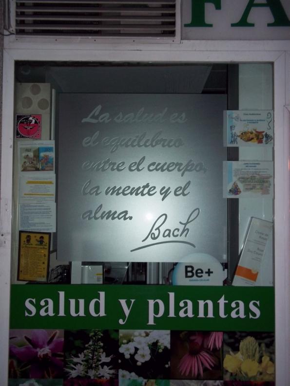 «Farmacia etérea» Madrid (España). Cámara: Kodak EasyShare MD30. Autor: Anita