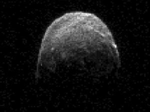Imagen de radad del Asteroide 2005 YU55 obtenida por la NASA el 7-11-2011, a 1,3 millones de km de distancia de la Tierra