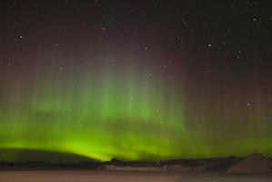 Aurora boreal, una de las formas más hermosas de visualizarse un flujo de electrones. Fuente: Wikipedia