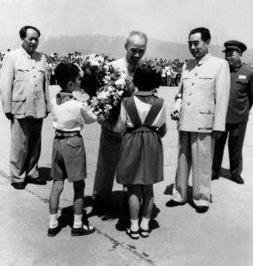 Hồ Chí Minh, Zhou Enlai, Mao Zedong