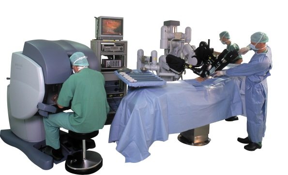 full-davinci-surgical-system-001